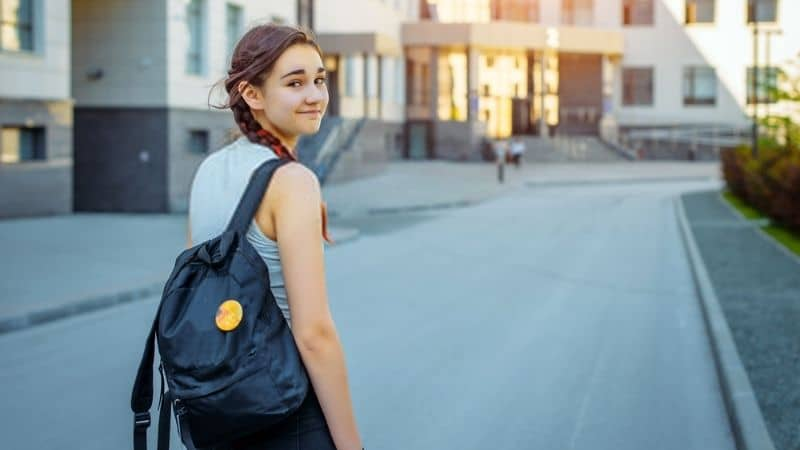 Best Stylish Bags for College Girls That You Can Buy in 2021